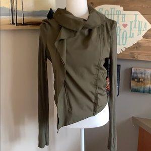 Bar lll army green jacket. Size Medium